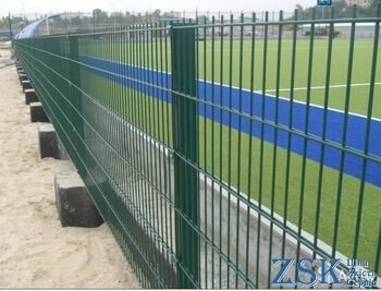 Fences made of mesh with PVC coating