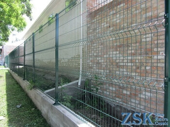 Fence 4mm Standard 4mm 2x2.5m sectional fence 3d Fence nets - high quality welded fence section. Buy mesh for a fence of the Standard Color series with PVC coating RAL 6005, 7016, 7040 - fence nets in the warehouse ZSK manufacturer Ukraine