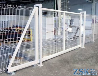 Sliding gate from a grid
