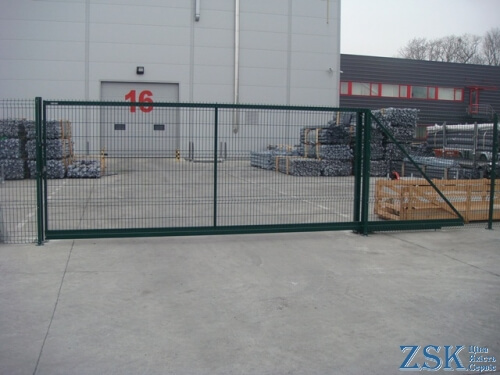 sliding gates made of mesh