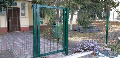 Wicket gate made of welded mesh premium zsk-bud