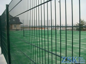 sectional fence of cues