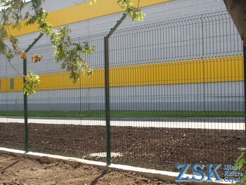 fence with a polymer coating