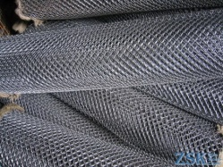 mesh for a fence a chain-link price - a fence from a mesh a chain-link price ➤ 35x35x1.6mm ➤ High quality, made of galvanized wire with a mesh of 35x35 and 50x50mm. Custom order 50x50x3. ➤ chain-link fence made in Ukraine, warehouse Kiev ZSK