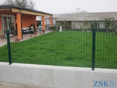 For flower beds 1m Classic 5mm 0.93x2.5m fences made of pvc mesh price. Sectional fences - high quality technology. 3D fence from the manufacturer at the ZSK warehouse. Classic series with polymeric covering - to buy nets for a fence Ukraine