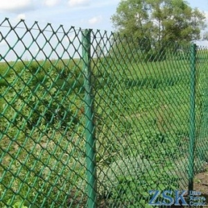 fences made of mesh netting - euro netting ➤ 50x50x2.5mm ➤ Produced in Ukraine, high quality, made of galvanized wire with different mesh. ➤ mesh pvc chain-link production Ukraine, warehouse Kiev ZSK